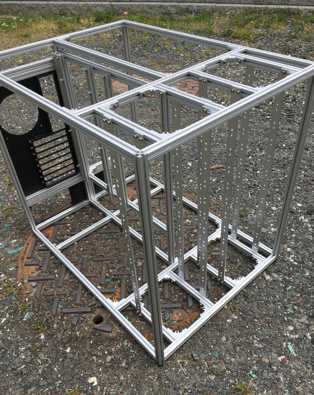 Frame for 24x 5.25-inch drives